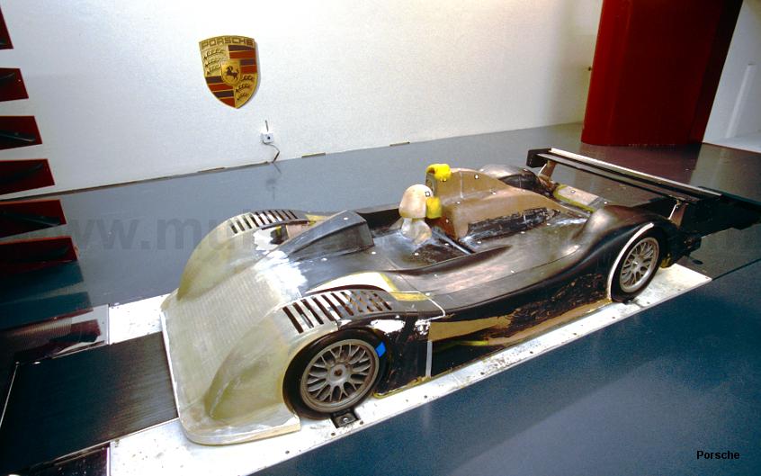 2000 Porsche 9R3 LMP1 wind tunnel model