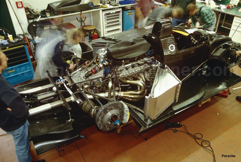 2000 Porsche 9R3 LMP1