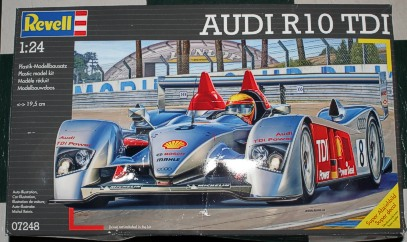 1/24 scale Revell Audi R10